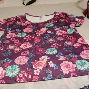 Lularoe t- shirt